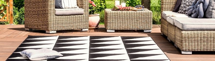 How To Properly Clean Your Outdoor Area Rug