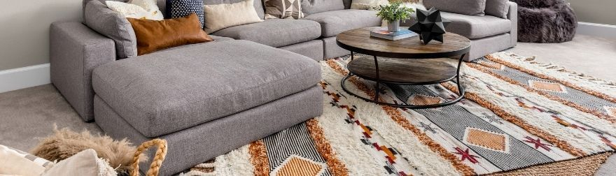 The Advantages of Using Area Rugs in Your Interior Design